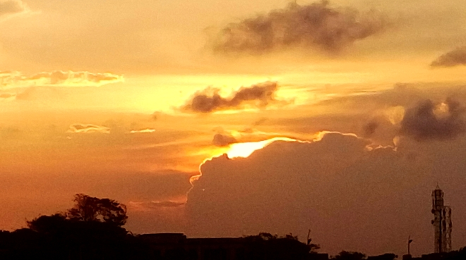 Sky is not the limit! - A glimpse of the color Orange of the sky
